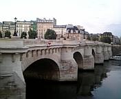 Jogging along la Seine